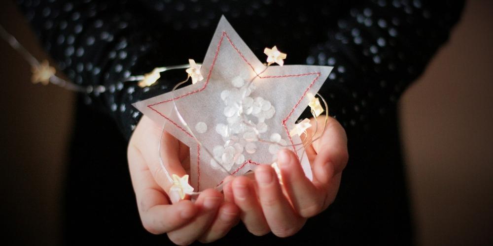 Stern aus Pergaminpapier nähen