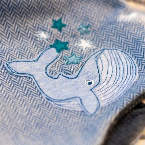 Großer Wal appliziert auf einer Mütze