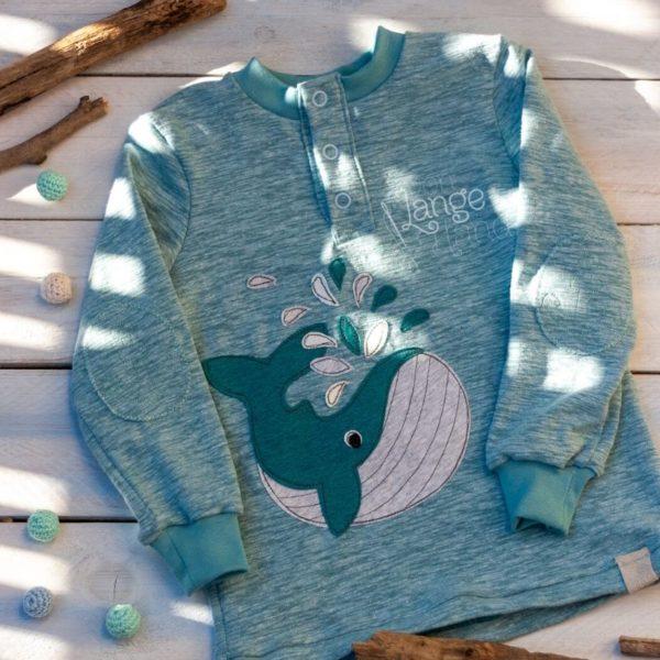 Großer Wal appliziert auf einem Shirt