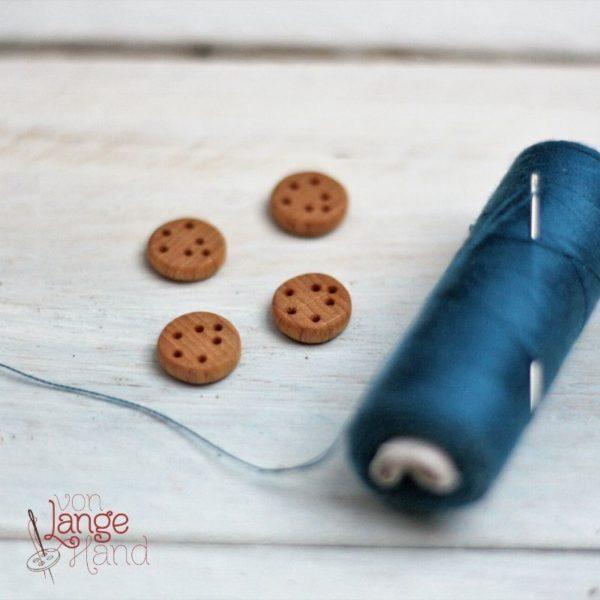 Knopf aus Holz mit Ankerbohrung