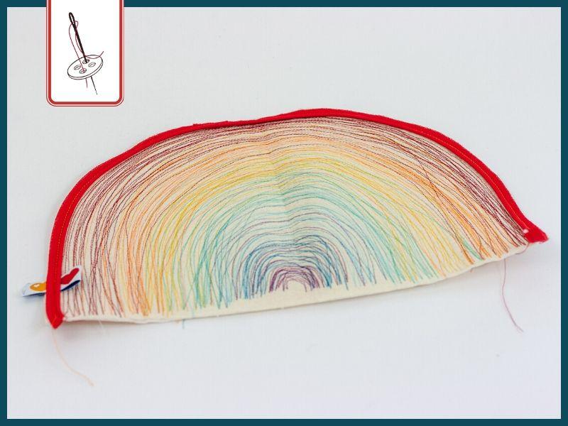 Paspel einnähen – Regenbogenkissen
