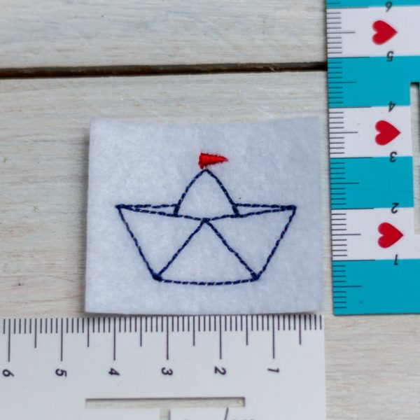 Label mit Schiffchen – zum Einnähen