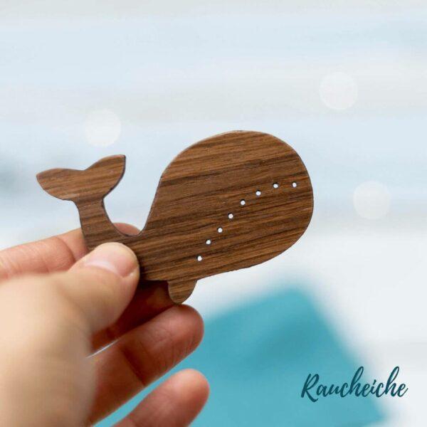Holzknopf Wal aus Raucheiche