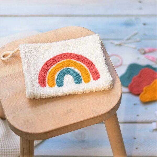 Regenbogen Applikation auf einem Waschlappen